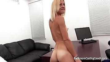 blonde anal givin her fuckfriend