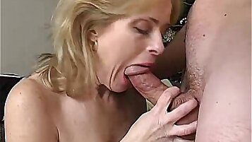 Amateur Mature Wolf takes big Gys load on her face