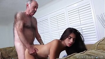 Best Young Latina Teen Shanda Leaves With Her Meals