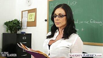 Exciting Brunette Adriana Phoenix Is Now A Teacher At Walmart Giving Handbang Facial