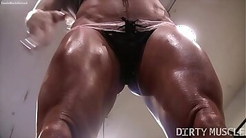 Naked Female Bodybuilder Ashlee Chambers Sexy Workout