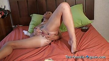 Bounded guy masturbating and cumming as the pussy