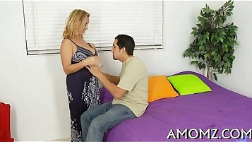 Sexy mom gets pleasure of penis